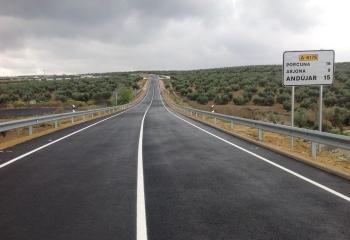 La Junta pone en servicio la variante de Arjonilla en la carretera A-6176 de la campiña jiennense