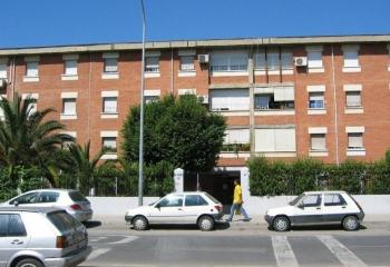 La Junta comienza a contratar nuevas obras de rehabilitación en viviendas públicas en alquiler de Almanjáyar, en Granada