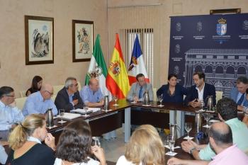 Una veintena de empresas optan a la construcción de los nuevos accesos a la aldea de El Rocío