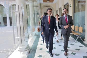 La Junta acuerda con los ayuntamientos flexibilizar el calendario de sus aportaciones a la inversión en el Metro de Granada