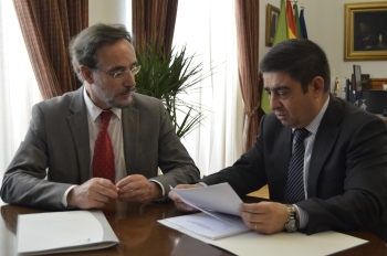 Junta y Diputación de Jaén cooperarán en la lucha contra los desahucios y en el impulso de políticas de vivienda