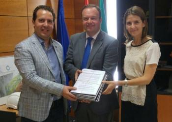 La Consejería de Fomento y Vivienda elabora un mapa de carreteras autorizadas para el paso de vehículos agrícolas