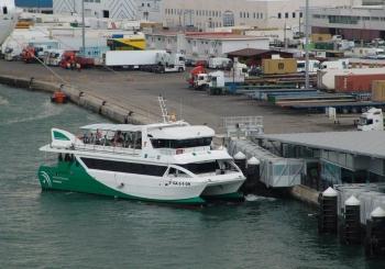Los Consorcios de Transportes refuerzan sus servicios en los municipios costeros para atender la demanda turística estival