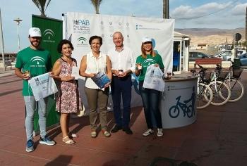 Desayuno saludable para promover el uso de la bicicleta y el transporte público en la Semana Europea de la Movilidad