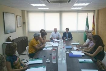Junta y Ayuntamiento de Almería coordinan actuaciones para avanzar en la rehabilitación de El Puche, La Chanca y San Cristóbal