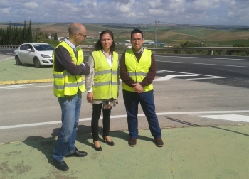 La Junta mejora el estado de las carreteras A-339, de Cabra a Alcalá la Real, y de la A-379, en el acceso a Santaella
