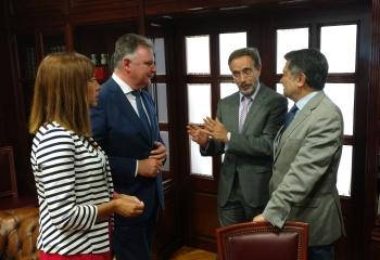 Junta y puerto de Huelva colaborarán para restablecer el sistema de iluminación del puente del Odiel