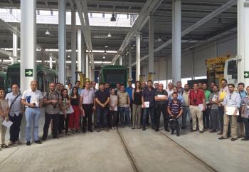 Una veintena de empresas interesadas en gestionar el Metro de Granada visitan sus instalaciones para conocer sus detalles