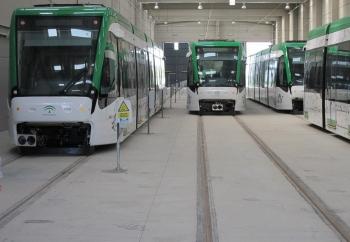 """López valora la """"gran acogida"""" del Metro de Málaga con una calificación de sobresaliente por parte de sus usuarios"""