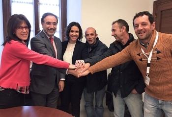López anuncia la licitación de la mejora de la carretera a Alcalá del Valle para 2017 y garantiza el presupuesto para su inicio