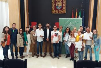 La Junta entrega a jóvenes menores de 35 años siete viviendas rehabilitadas en el casco antiguo de Alcalá de los Gazules