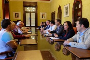 Junta, Ayuntamiento y vecinos ultiman los detalles para la entrada en las viviendas del 'Casa por casa' de Marismas del Odiel