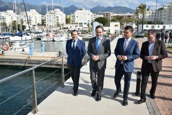 López anuncia la voluntad de la Junta de impulsar una nueva concesión para la ampliación del puerto de La Bajadilla