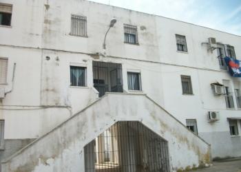 La Junta licita las primeras obras para mejorar las 156 viviendas de la barriada Las Viñas en Lora del Río