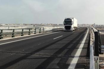 La Junta abre al tráfico un nuevo tramo de 4 kilómetros de la variante de Roquetas, que suma ya 6,4 de trazado en servicio