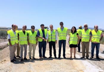 La Junta finalizará tras el verano la obra de mejora de seguridad vial en la A-8125, de Arahal a Morón, que se encuentra al 60%