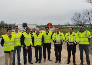 Las obras de mejora de la A-8125, entre Morón y Arahal, estarán finalizadas en septiembre tras una inversión de 3,95 millones