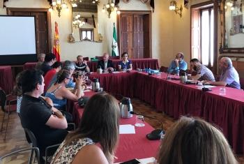 La Junta informa a vecinos y administradores de fincas de las ayudas a la rehabilitación de edificios, dotadas con 14,5 millones