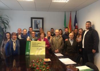 La Junta entrega los proyectos de rehabilitación de viviendas a familias con recursos limitados en Santa Bárbara de Casa