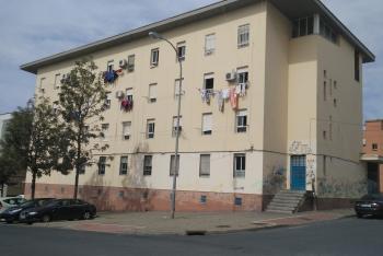 La Junta licita obras para mejorar las 32 viviendas públicas en alquiler de calle Jazmín, en el Torrejón de Huelva