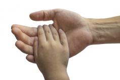 El IAM renueva el Servicio de apoyo en crisis a hijas e hijos de mujeres víctimas de violencia de género con resultado de muerte o gravemente heridas