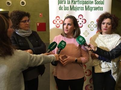 Más de 4.200 profesionales se han formado en atención a mujeres migrantes a través del IAM