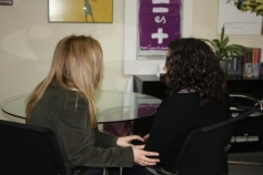 El programa de atención psicológica a adolescentes víctimas de violencia de género ha atendido hasta junio a 54 mujeres