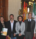 El consejero de Medio Ambiente, José Juan Díaz Trillo, hace entrega de las subvenciones.