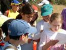 Un grupo de escolares visita el Espacio Natural de Doñana.