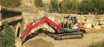 La Junta de Andalucía inicia los trabajos de limpieza de un tramo de la rambla del Aplico, en Alsodux