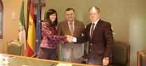 La Junta entrega el depósito de agua de El Vacar a la Diputación, tras financiar las obras