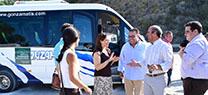 La Junta ha puesto en marcha el servicio público de transporte para acceder a la playa de Cantarriján este verano