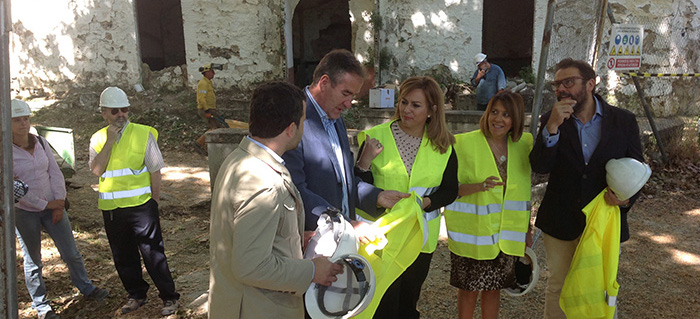 María Jesús Serrano anuncia que la Junta iniciará en breve los trabajos para recuperar el antiguo complejo termal de Jabalcuz