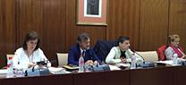 La Junta pide celeridad al Gobierno central para que el sector del cangrejo rojo desarrolle su actividad con garantías jurídicas