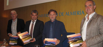 José Fiscal aboga por el desarrollo de las infraestructuras verdes durante la presentación de un libro sobre la Sierra de Gádor