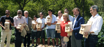 Fiscal asiste a la colocación de un centenar de cajas nido en el jardín de El Altillo de Jerez de la Frontera