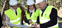 Medio Ambiente realiza trabajos preventivos frente a incendios forestales en el Parque Periurbano de la Dehesa del Generalife