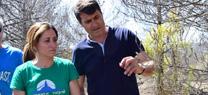Inmaculada Oria, ha visitado el Parque Natural Sierra de Baza, acompañada por el alcalde del municipio, Pedro Fernandez, y técnicos de la Consejería