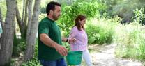 Medio Ambiente libera en el río Guadalfeo 500 alevines de trucha común para reforzar la población