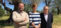 Usuarios de centros de mayores de Huelva ponen en común  en El Acebuche sus experiencias en un taller de reciclaje