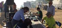 El consejero de Medio Ambiente y Ordenación del Territorio, José Fiscal, coordina en Riotinto las labores de extinción del incendio forestal originado en la tarde de ayer en ese municipio onubense