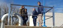 La delegada de Medio Ambiente visita la nueva depuradora de Aroche previamente a su puesta en funcionamiento