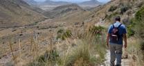 La Junta muestra el paisaje minero del Parque Natural Cabo de Gata-Níjar en una ruta por el 'Cerro del Cinto'