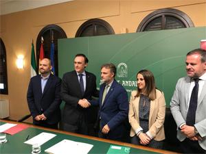 Medio Ambiente rubrica un convenio con la Universidad de Córdoba para crear la Unidad de Investigación en Recursos Cinegéticos y Piscícolas