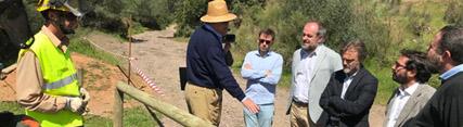El consejero visita  las actuaciones de adecuación y mejora de la vegetación y equipamientos
