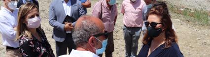 Carmen Crespo visita la rambla de Montacar y el cauce del río Aguas