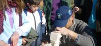 Más de un centenar de escolares de Alcaudete participan en  una jornada sobre los valores ambientales de la Laguna Honda