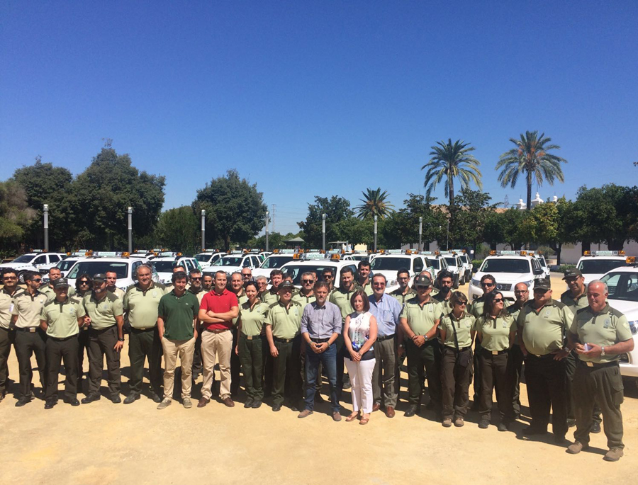 Fiscal destaca que la renovación de vehículos para los agentes de medio ambiente mejorará la seguridad y la eficacia de sus trabajos