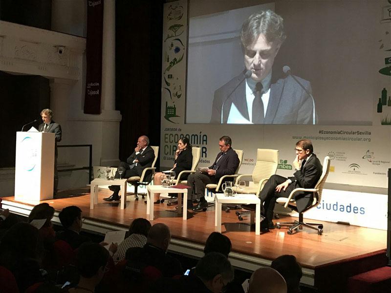 Fiscal asiste a la inauguración de la jornada 'Economía circular. El compromiso de las ciudades'