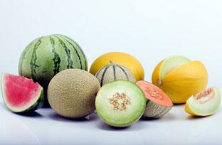 La dieta mediterránea supone un elevado consumo de frutas.